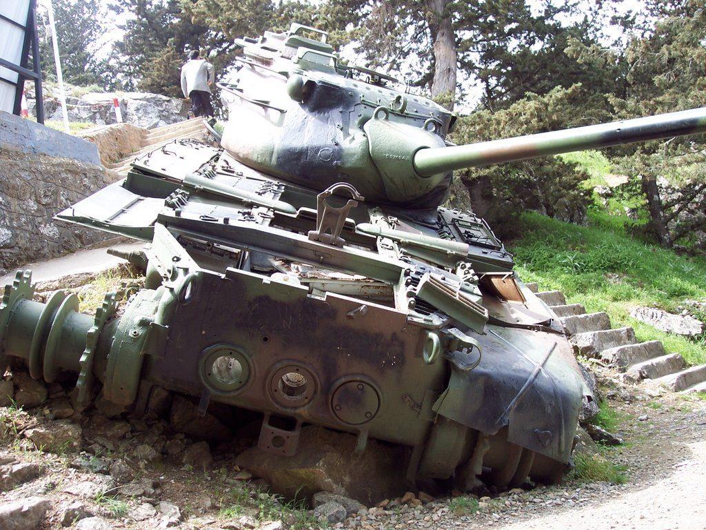 beşparmakdağlarındaki-tank